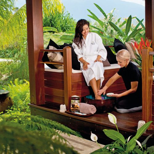 outdoor-spa-rainforest-north-queensland